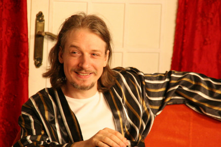 Antoine dans Treize à table (2010)